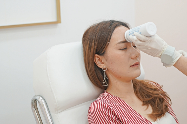 [REVIEW] ฉีดโบลดริ้วรอยหน้าผาก ร่องคิ้ว ลดกราม ลิฟท์กรอบหน้า ที่ MEGA Clinic เซ็นทรัลลาดพร้าว ชั้น9